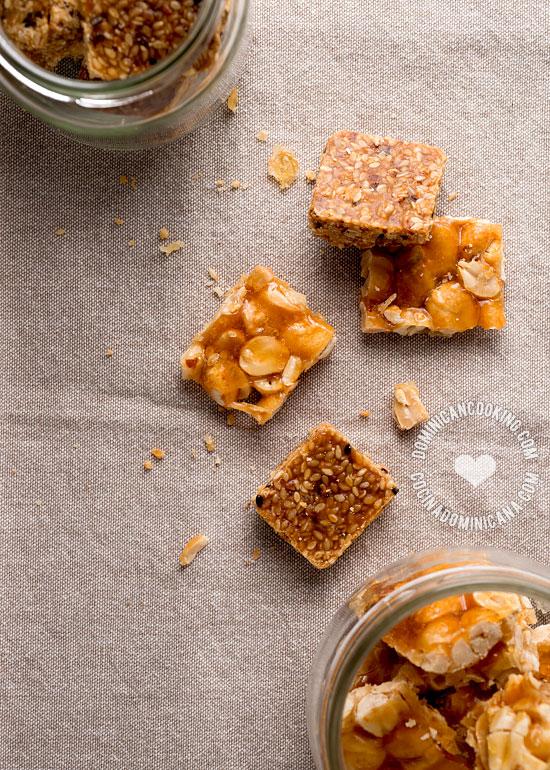 Receta Dulces de Maní y Ajonjolí: Muy simples, pero crujientes y con un rico sabor que me recuerda mi niñez. Anímate a probarlos.