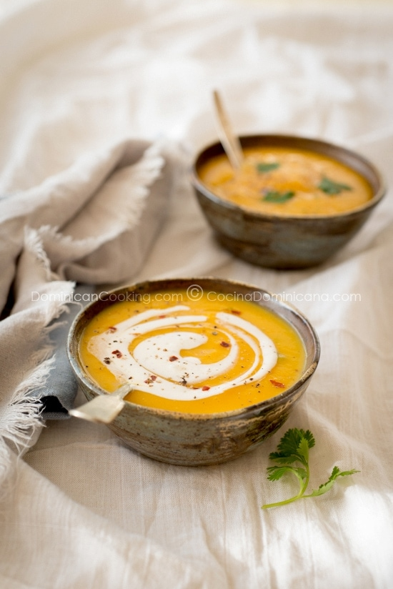 Crema de Auyama Recipe (Pumpkin Cream Soup): a delicious entree to your Dominican dinner. Its delicate, yet sophisticated flavors suitable for all tastes.