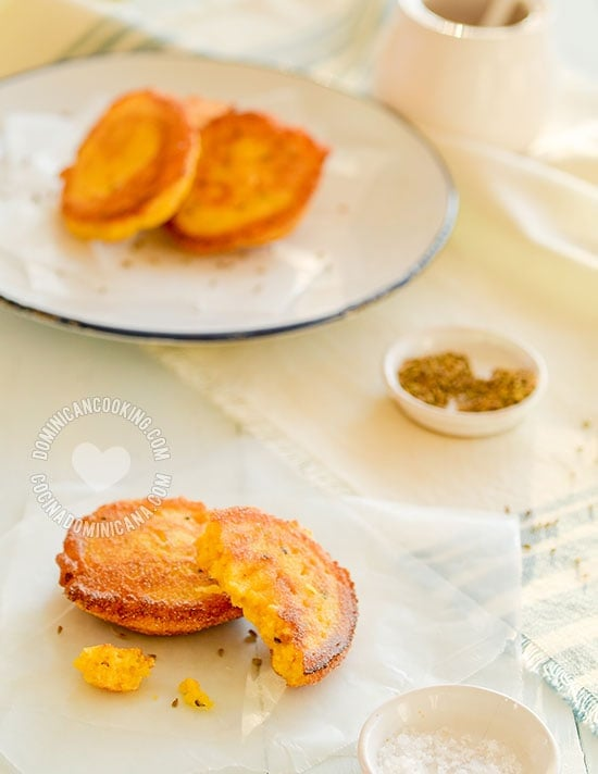 Arepitas de Maiz - Recipe & Video (Cornmeal Fritters): a delicious side dish that can also be served as hors d'oeuvres.