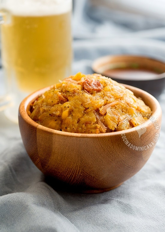 Mofongo Recipe (Garlic-Flavored Mashed Plantains): a very tasty dish with pork rind mixed in and strong umami flavor that will become a new favorite.