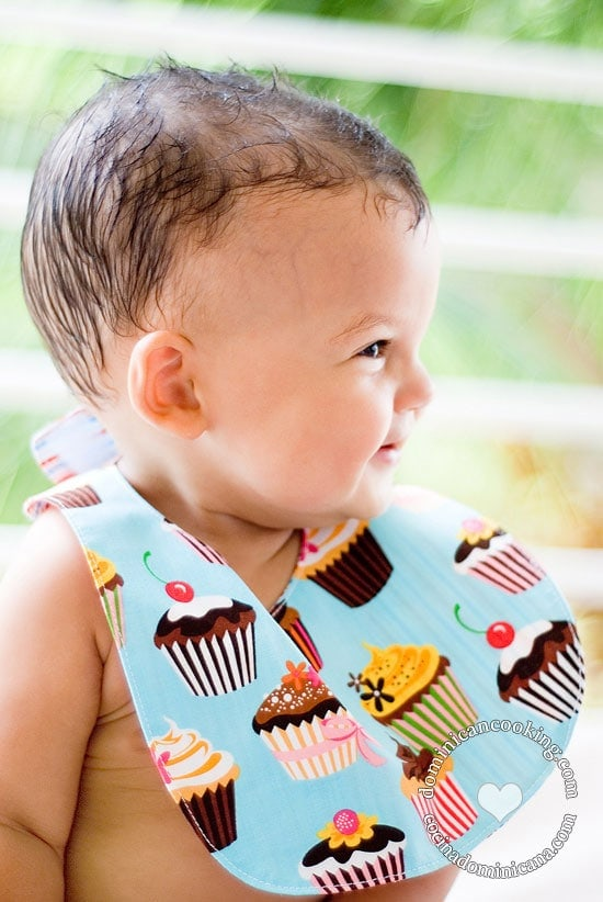Let's talk about this easy, quick-to-make reversible bibs free pattern.