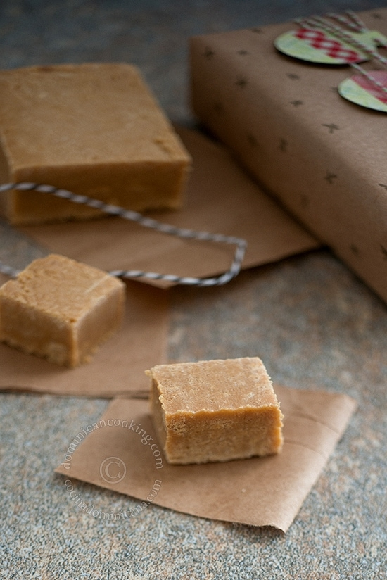 Dulce de Leche en Tabla Recipe (Milk Fudge Squares) are delicious and simple fudge squares can be made plain or topped with jams or coconut cream.