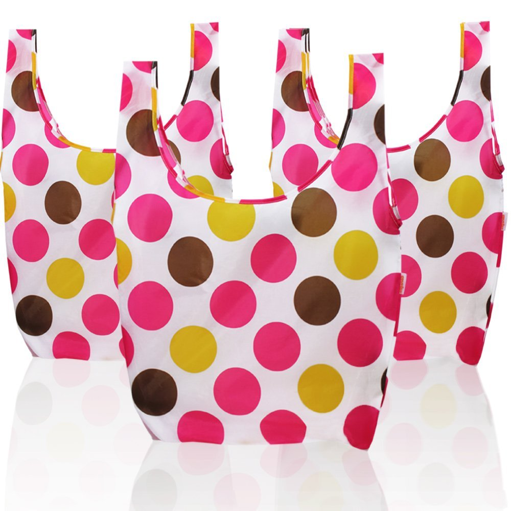 In the last years beautiful reusable shopping bags have become more common and popular. That's not only good for Mamma Earth, it's also much more stylish.