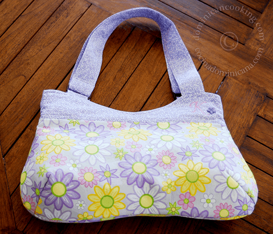 This is another handmade bag ideas I wanted to share for the sewing experts out there. There's a free pattern included.