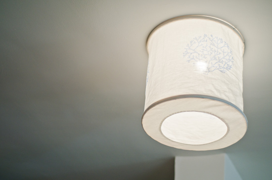 So let me share my idea for a DIY fabric ceiling lamp. You can decorate any lamp using the same pattern.