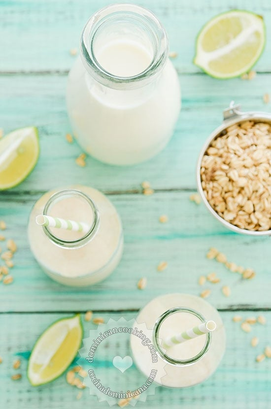 Receta Jugo de Avena: Una bebida que es un desayuno completo, con las propiedades saludables del avena, y las vitaminas del limón y la leche.
