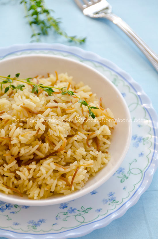 Arroz con Fideos - Bil Shareyah - Recipe & Video (Rice & Fried Noodles): A delicious dish with an unusual combination of textures and ingredients. Great with fish.