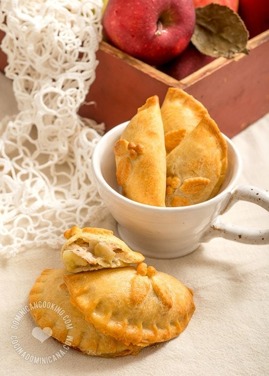 Pork and Apple Pasty Recipe: A lighter, butterless baked empanada, filled with lean pork and  apples, a sweet and savory filling that combines Christmas flavors.
