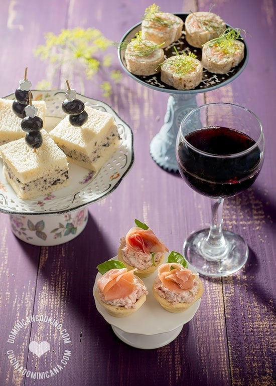 Easy Party Foods Recipe: Serve your guests these fancy-looking finger foods that are easy to make, don't take a long time and require no cooking whatsoever.