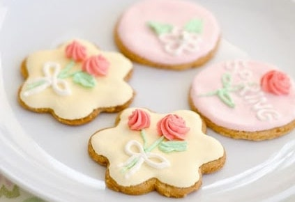 Spring-themed cookies