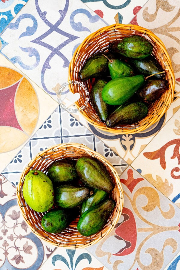 Avocados in baskets