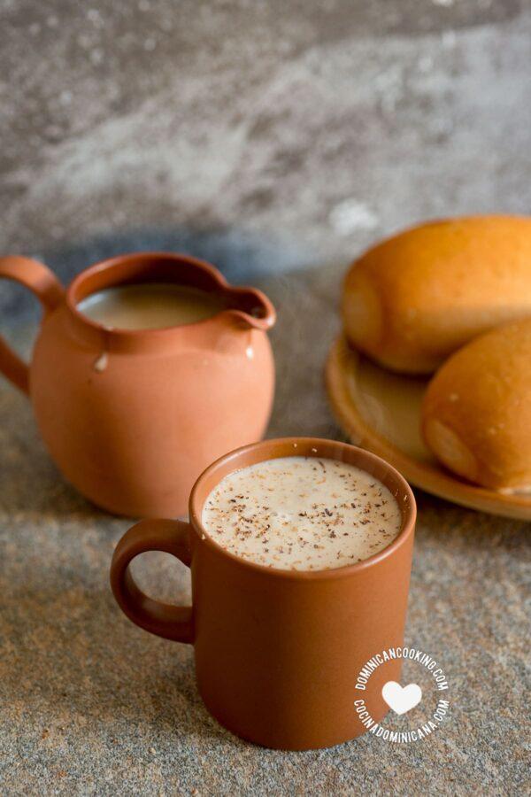 Avena Caliente (Hot Oat and Milk Hot Drink)