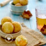 Bollitos de Yuca (Cheese-Filled Cassava Balls)
