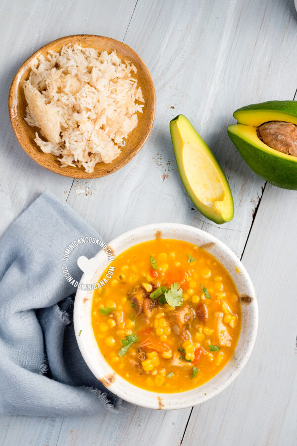 Buche' Perico Recipe (Corn Stew): delicious and oddly-named corn and pumpkin stew. I love the contrasting savory flavors with a hint of sweet from the corn.