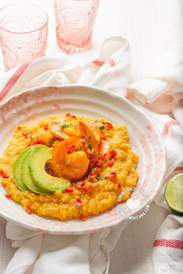 Chenchén (Cracked Corn Pilaf with Spicy Shrimp and Avocado)