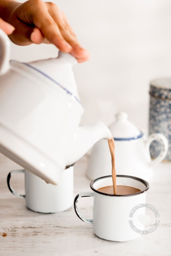 Pouring Chocolate Espeso (Creamy Spiced Hot Cocoa)