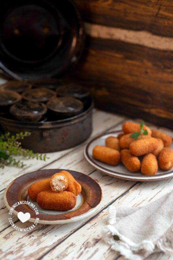 Croquetas de Pollo (Chicken Croquettes)