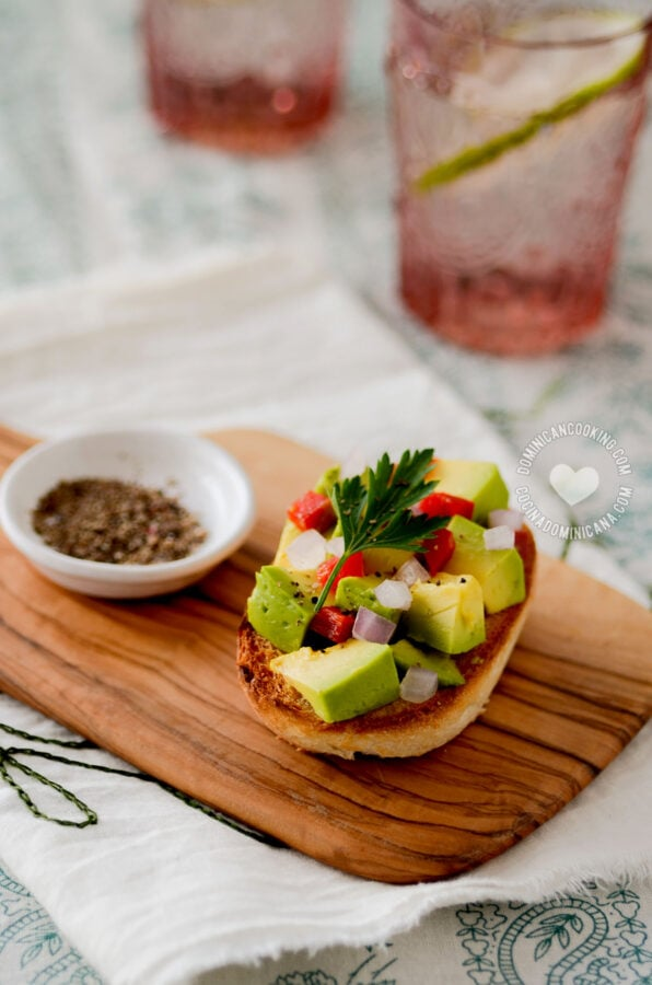 Pan con Aguacate (Avocado-Topped Bread)