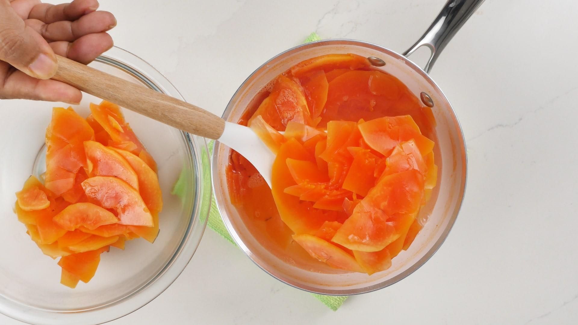 Rinsing papaya