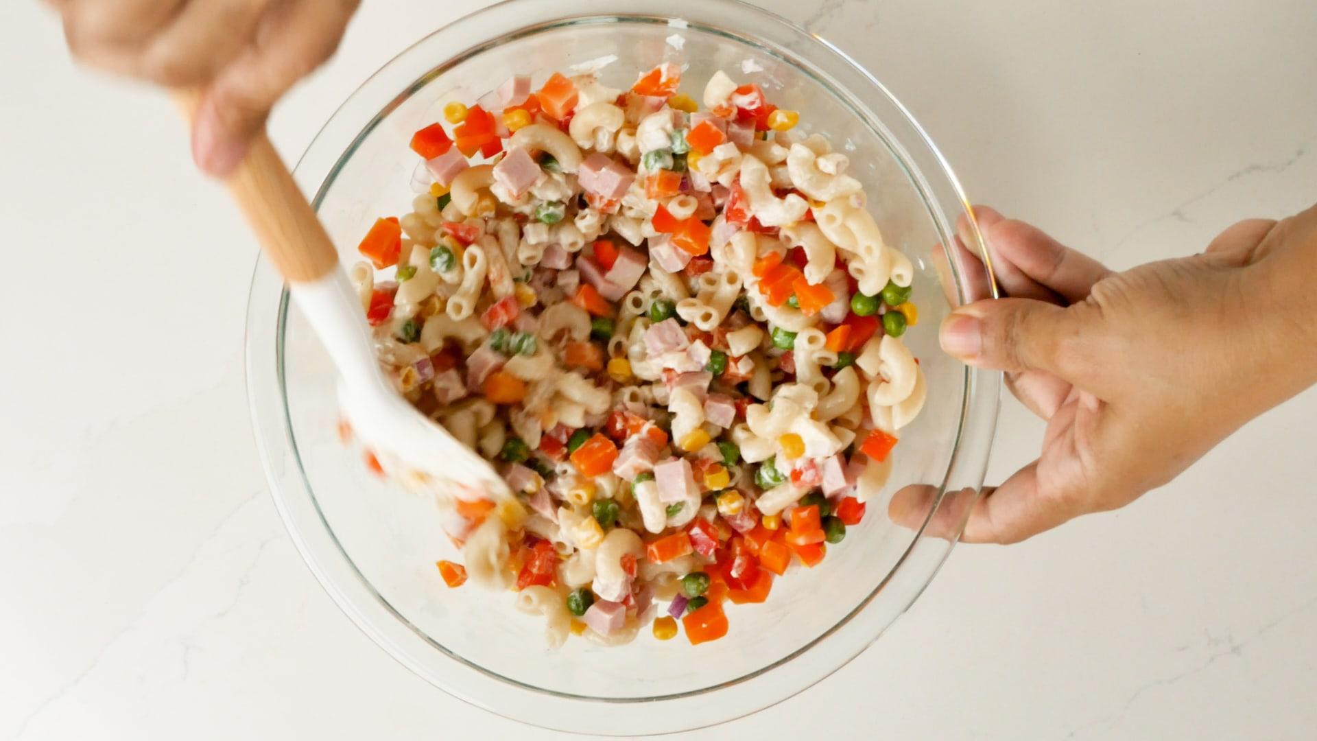 Salad mixed ready to serve