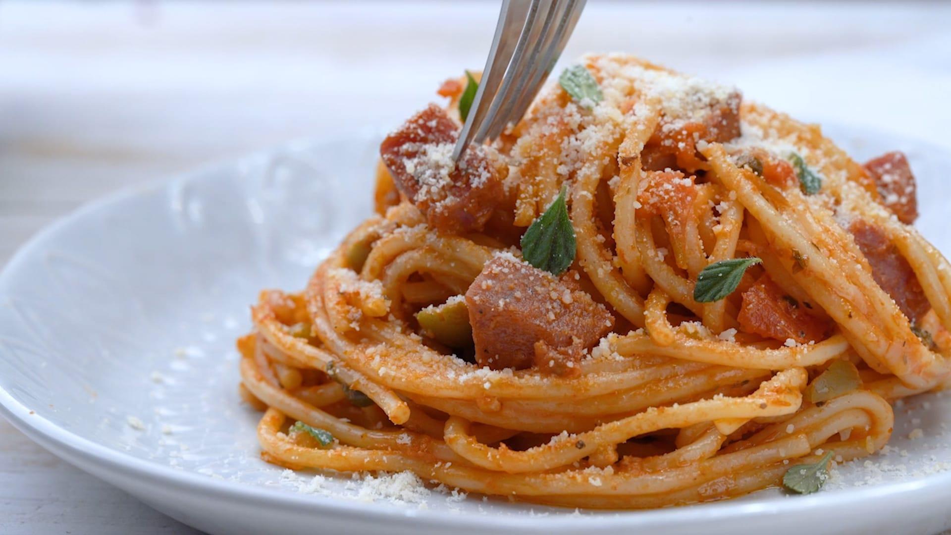 Serving spaghetti