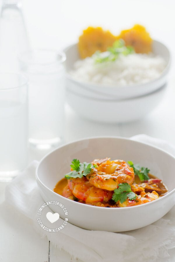 Shrimp with Coconut and Ginger Sauce with Rice and Tostones