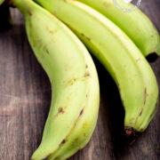 Green plantains (plátanos verdes)