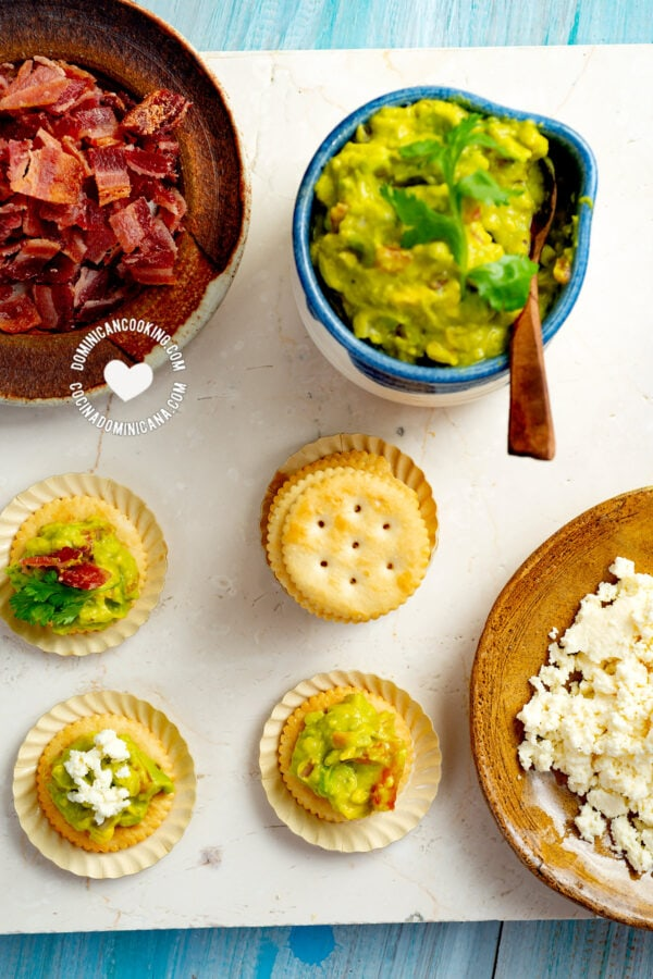 Guacamole and bacon crackers party Food