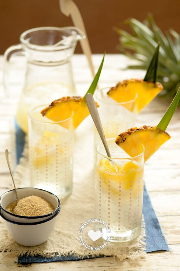 Guarapo de Piña (Fermented Pineapple Juice)