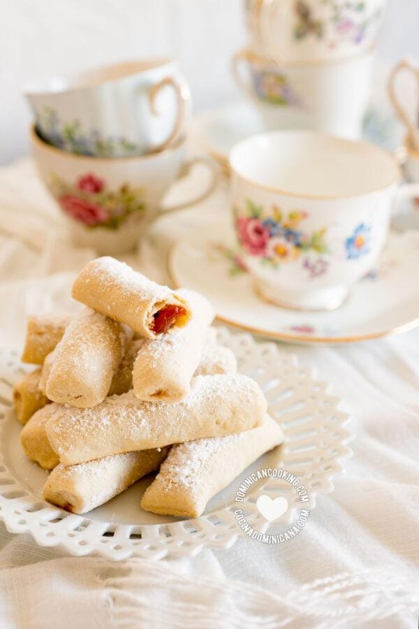 Deditos de Novia (Sugar-Coated Guava Biscuits)
