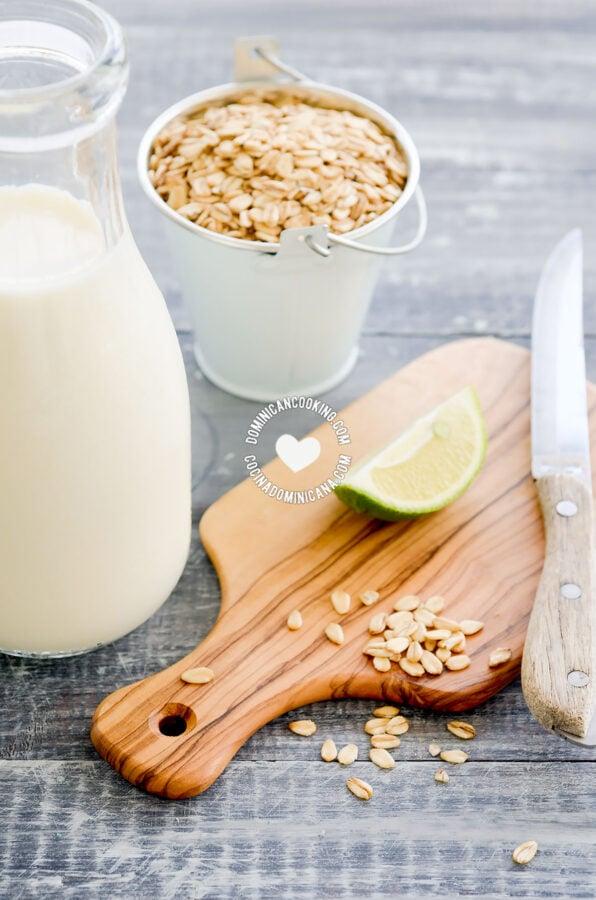 Jugo de Avena (Oatmeal and Milk Drink Ingredients)