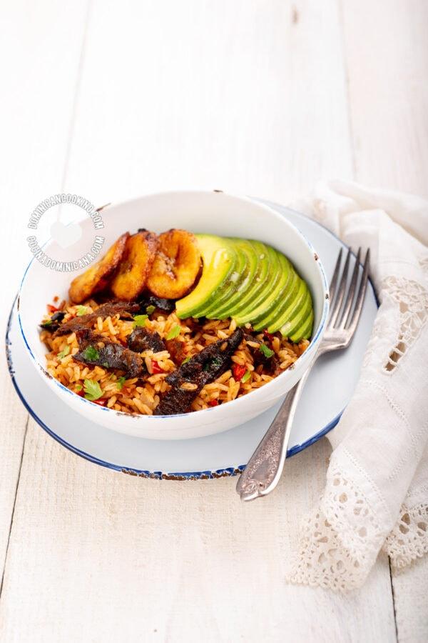 Dominican arroz con arenque