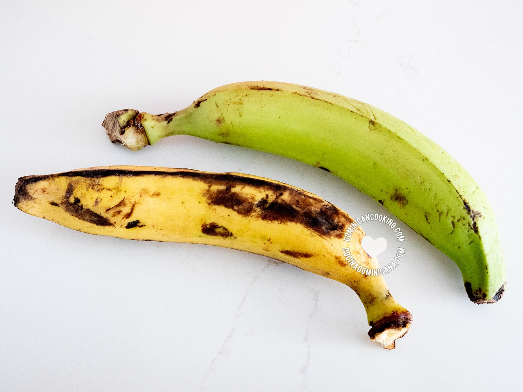 Green (unripe) and yellow (ripe) plantains