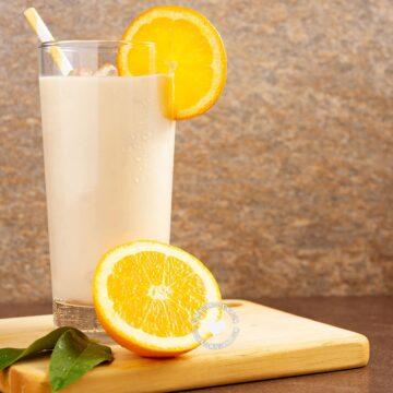 Morir Soñando (Glass of Milk and Orange Juice)