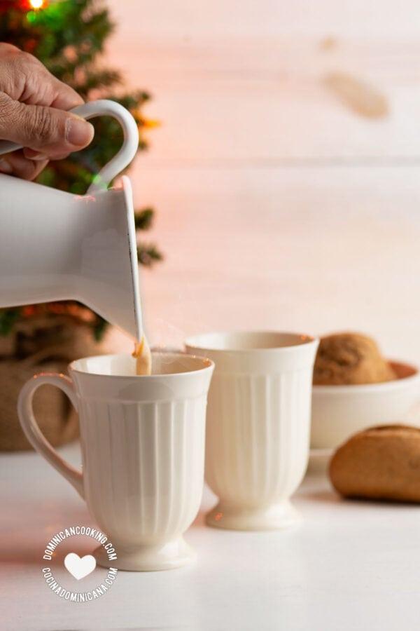 Pouring Ponche de Desayuno (Breakfast Eggnog)