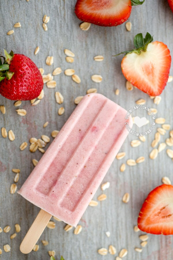 Oatmeal and Strawberry Popsicles