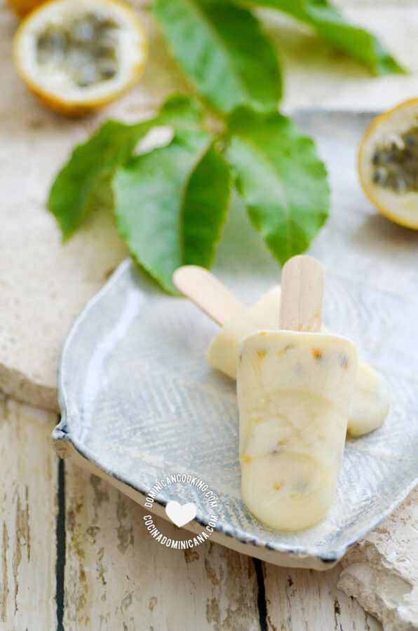 Paleta Morir Soñando de Chinola (Milk & Passion Fruit Popsicle)