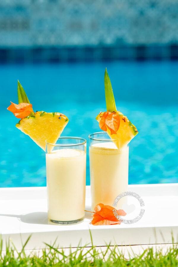 Piña Colada (Rum, Pineapple and Coconut Cocktail)