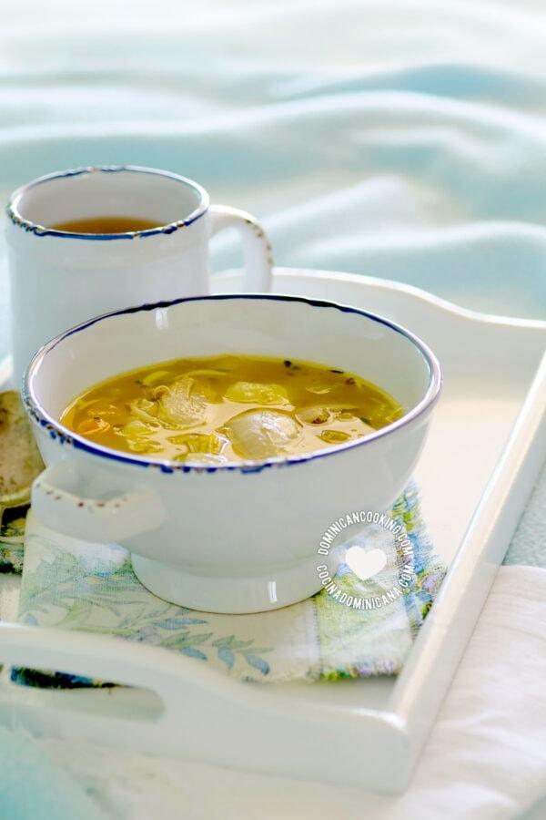 Caldo de Gallina Criolla o Pollo (Old Hen / Chicken Soup)