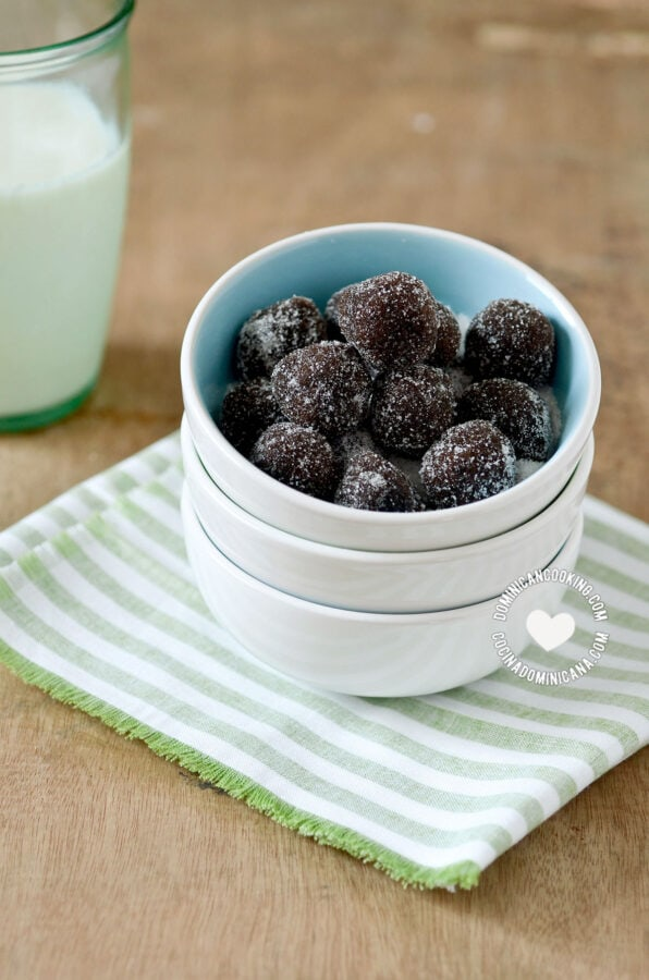 Bolitas de Tamarindo (Tamarind Candy Balls in Blue Bowl)