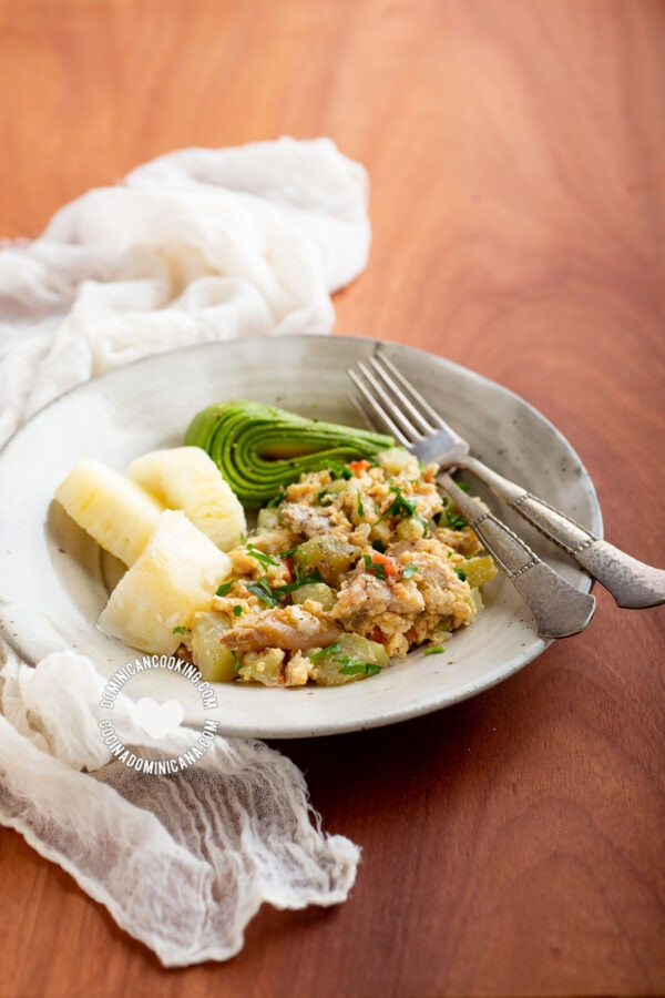 Bacalao con Tayota y Huevo (Codfish with Chayote & Egg)