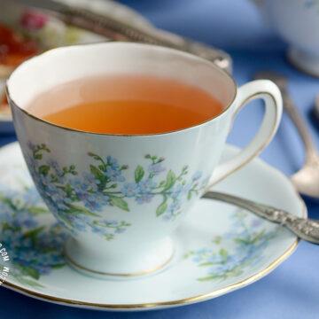 Cup of te de jengibre (ginger tea)