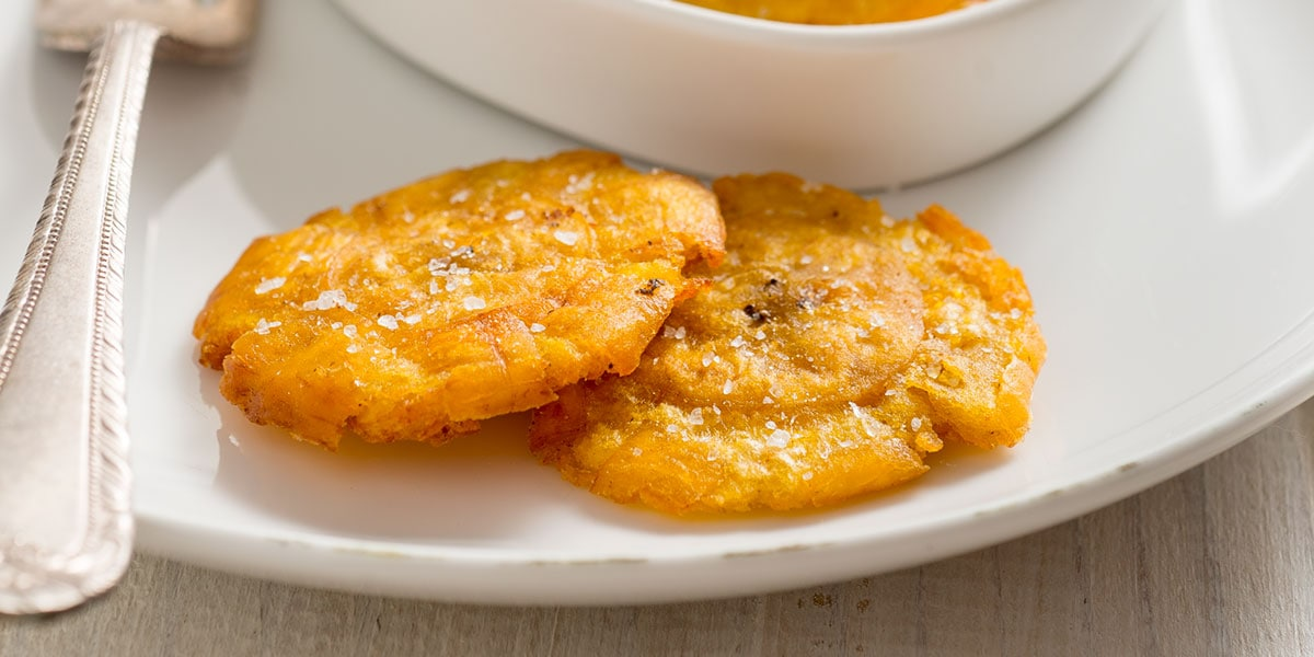 Tostones on plate