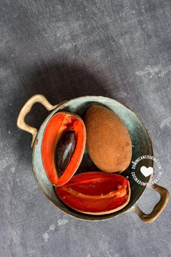 Zapote Fruit in Colander